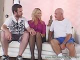 סקסית רוצה שני גברים שידפקו אותה כהוגן