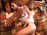 סרט סקסי יפהפה עם המגף והכפפה האדומה