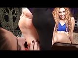 סרט סקסי יפה ומיני מאוד עם כפות רגליים מחרמנות מאוד
