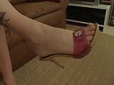 קסם התשוקה נעלי עקב אדומים